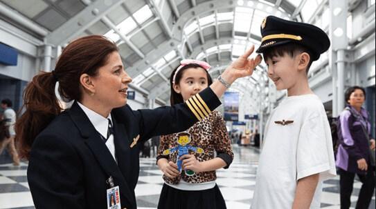 hijo viajar solo avion menores